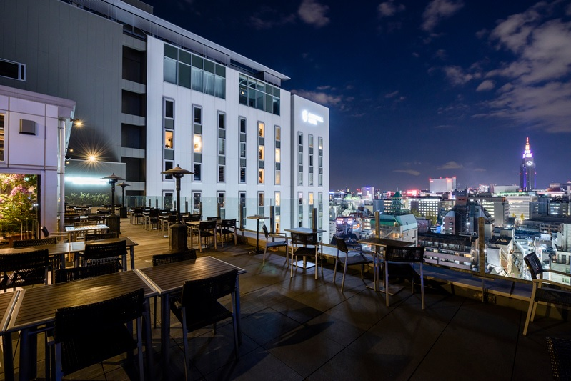 roof top bar & terrace G 店内