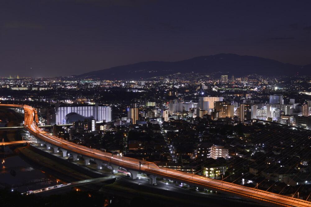 pixta_62561712_M 【大阪府 池田市】五月山、秀望台から見た北摂の夜景