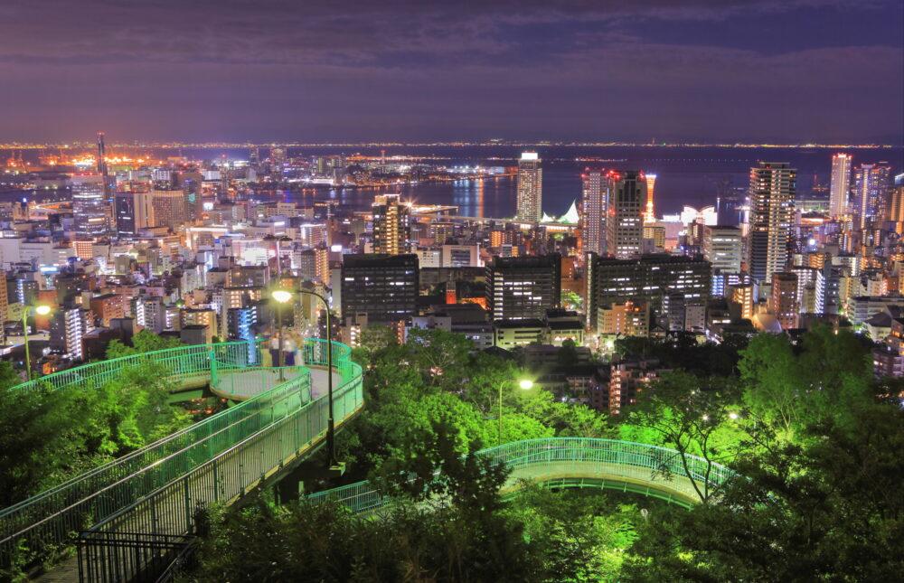 pixta_73664282_M 【兵庫県】諏訪山公園ビーナステラス見た神戸の夜景