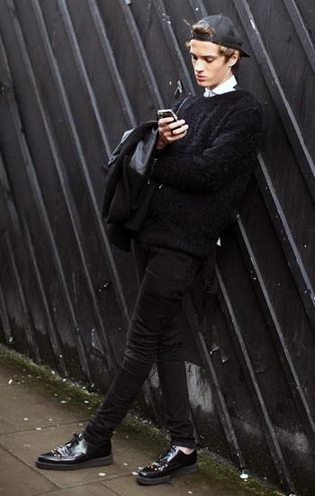 黒パンツ&デニムコーデ (2)