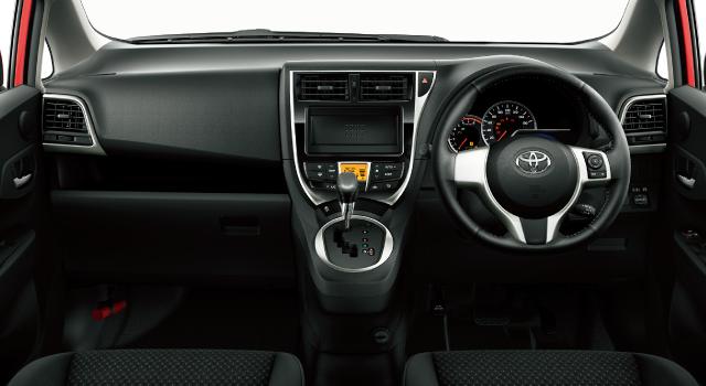 自動車の内装(運転席・助手席 右ハンドル)の画像