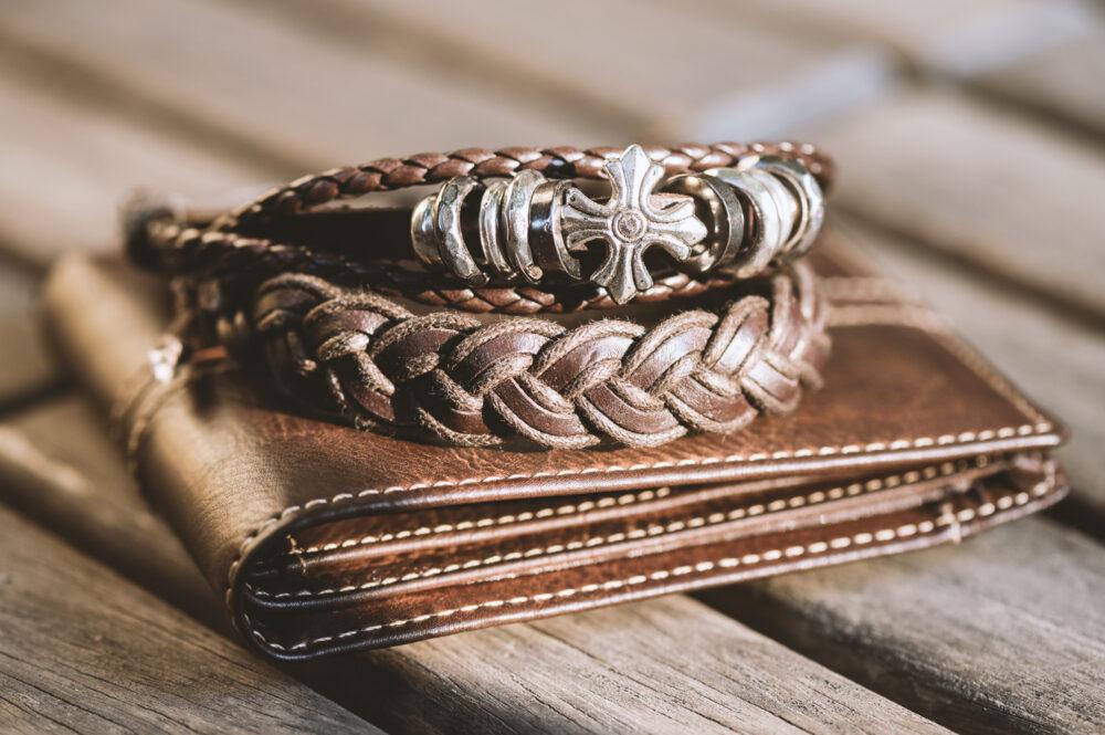 pixta_78403072_M bracelet for men