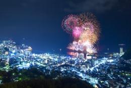 冬の風物詩「熱海海上花火大会」12月6、13、23日に開催