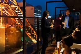 雰囲気が最高なのはここ!夜景を楽しむ東京デートレストラン12選【高級・記念日向け編】