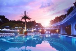 ホテル・ニューオータニのナイトプールが2016年もオープン。7月22日から