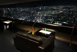 カップルシートも。 地上273mのビアガーデンが横浜ランドマークタワーでスタート