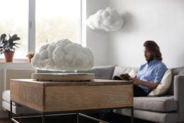 宙に浮く、本物の「雲」のようなスピーカーが登場 | Floating Cloud